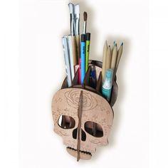 Porta lapices encastrable de madera. Materia prima reciclada. Medidas: 12cm x 17cm x 18 cm