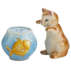 I got this Cat & Fishbowl Salt & Pepper Set today at Pier One Imports - so cute! :)