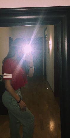 Applis Photo, Fake Photo, Tumblr Photography, Photography Poses, Girl Pictures, Girl Photos, Tmblr Girl, Shadow Photos, Girl Photo Shoots
