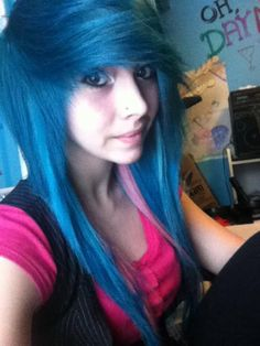 god give me two years and my hair will be long enough for this Cute Emo Girls, Emo Scene Hair, Pretty Hairstyles, Emo Hairstyles, Scene Girls, Dream Hair, Rainbow Hair, Punk, Blue Hair