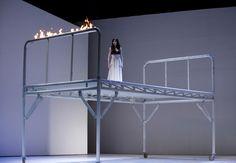 Der RIng des Nibelungen, Regie: Johan Kresnik, Bühnenbild: Gottfried Helnwein, Bonn, 2006
