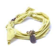Bracelet vintage anis Marie Depaire, bracelet en tissus fait main en France, à découvrir sur www.lilishopping.com/233-marie-depaire  #mariedepaire #madeinfrance #handmade #madeinparis #vintage #bracelethomme