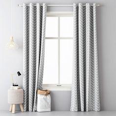 Dekoračný záves SELFOS šedý sada 2 ks - Závesy SELFOS v šedej farbe sa stanú jedinečným doplnkom vášho bytu. Príjemný vzor bielych šípok na svetlošedom podklade sa dá dobre kombinovať s ďalšími farbam Curtains, Living Room, House, Home Decor, Gallery, Blinds, Decoration Home, Home, Room Decor