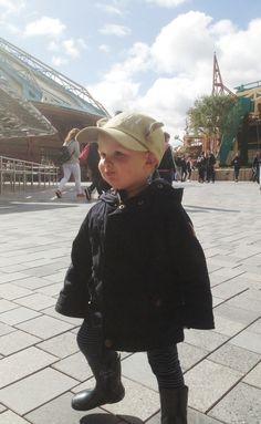 En un cuento! Recopilatorio de imágenes de nuestro viaje en familia Disneyland Paris. Fue vivir un sueño! Mickey Mouse, Pluto, y todos estaban allí. Star wars. Disneyland visit in family. A dream is a wish your heart makes. My Little Piggies Blog. Pigs&Roses.