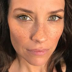 Evangeline Lilly pictures and photos Tauriel, Nicole Evangeline Lilly, Hobbit, Lost Tv Show, Canadian Actresses, Hot Actresses, Khal Drogo, Beautiful Actresses, Freckles