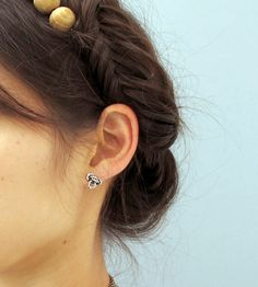 Climber's Knot Stud Earrings//