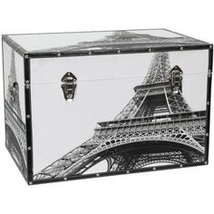This fetching chest features an eye-popping photograph of the Eiffel Tower as seen from below. Handsomely printed on natural, art-quality canvas, this impressive view of the world wonder is bound to b