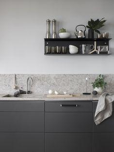 Dark Grey Kitchen With A Natural Stone Top - Via Coco Lapine Design on Home Inteior Ideas 3029 Kitchen Tops, Granite Kitchen, Kitchen Backsplash, New Kitchen, Kitchen Decor, Kitchen Shelves, Kitchen Cabinets, Kitchen Ideas, Stone Kitchen