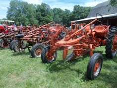 3 Allis Chalmers G tractors in a row