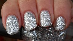 39 Glitter Nail Polish Ideas - I would like glitter so much more if it was easier to get off! Hahah.