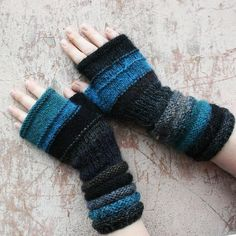 Twilight Fingerless Unmatched Hand Knit Mittens door WrapturebyInese