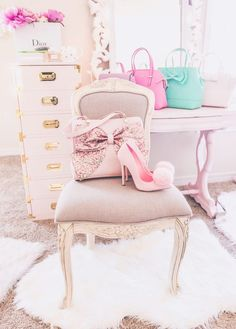 Sharing The Latest Beauty Items That I'm Currently Loving including Slmissglam beauty brushes, makeup bags, new makeup products, pretty purses and shoes. Pink Love, Pretty In Pink, Deco Rose, Rose Pastel, Just Girly Things, Pink Things, Girly Stuff, Everything Pink, Pink Princess
