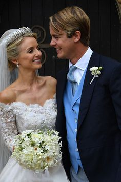 Royal Family Around the World: George Spencer-Churchill, Marquess of Blandford, and Camilla Thorp, tied the knot at St Mary Magdalene Church, Woodstock near Blenheim Palace on September 2018 Royal Wedding Gowns, Royal Weddings, Wedding Dresses, Gown Wedding, Wedding Bouquet, Churchill, Woodstock, Camilla, St Mary Magdalene Church