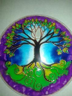 MANDALA DEL ARBOL DE LA LUNA REALIZADO EN VIDRIO Stained Glass Paint, Stained Glass Patterns, Mosaic Patterns, Tree Of Life Art, Tree Art, Mandala Painting, Mandala Art, Aquarius Art, Frida Art