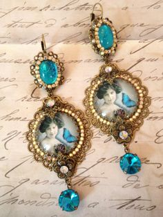 Boucles style victorien bleu roi /Blue victorian par lorenza33, $68,00