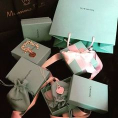 𝐍𝐄𝐖 𝐍𝐄𝐖 - Birthday - Luxury Lifestyle Boujee Lifestyle, Luxury Lifestyle Fashion, Wealthy Lifestyle, Millionaire Lifestyle, Birthday Goals, Story Instagram, Luxe Life, Luxury Shop, Luxury Bags