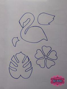 Molde Flamingo Tropical com PAP. Flamingo Craft, Flamingo Pattern, Flamingo Birthday, Flamingo Party, Diy Arts And Crafts, Felt Crafts, Art For Kids, Crafts For Kids, Minion Party