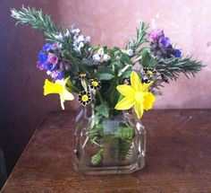 March Posie: Rosemary, Narcissus, Pulmonaris and Auricula
