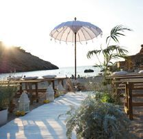 A beach wedding venue on Ibiza, organized by Cardamom Events they have created this beautiful beach venue for weddings in Ibiza http://www.ibiza-weddings-spain.com