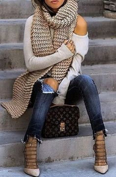 Photo Outfit of the day / knit scarf + one shoulder sweater + rips + heels from Best Street Style Outfit Ideas Trendy Fall Outfits, Fall Winter Outfits, Autumn Winter Fashion, Casual Outfits, Summer Winter, Sweater Outfits, Mode Outfits, Fashion Outfits, Womens Fashion