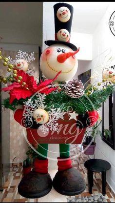 Snowmen, Tarot, Christmas Decorations, Simple, Christmas Crafts, Holiday Ornaments, Bathroom Sets, Christmas Things, Snow