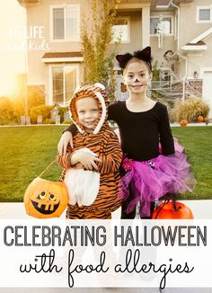 Eight Tips To Help Your Kids Trick Or Treat With Food Allergies On Halloween Frozen Halloween, Halloween Candy, Holidays Halloween, Halloween Decorations, Halloween Kids, Halloween Tricks, Halloween Games, Halloween Projects, Halloween Night