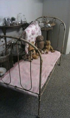 the iron bed. Baby Doll Bed, Doll Beds, Baby Beds, Wabi Sabi, Shabby Style, Vintage Accessoires, Wrought Iron Beds, Antique Teddy Bears, Finding Treasure