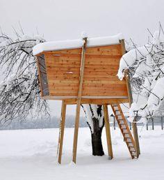 free standing tree house by Ravnikar Potokar Arhitekturni