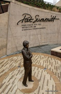 The legend in bronze #Tennessee #VOLS #PATSUMMITT