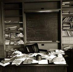 einstein's desk