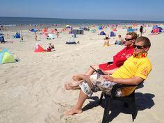 KNRM Lifeguards - Toezicht op een mooi zonnig strand van #Hollum #Ameland