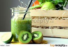 Smoothie s řapíkatým celerem recept - TopRecepty. Smoothie Detox, Smoothies, Pickles, Cucumber, Watermelon, Fresh, Vegetables, Smoothie, Veggies
