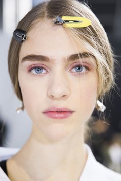 Christian Dior Spring 2016 Ready-to-Wear Beauty Photos - Vogue