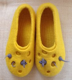 Felted slippers by Arena Camapckar