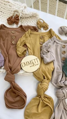 Baby Names Discover Bamboo Buttery Soft Newborn Knotted Gowns The best colors EVER in the softest fabrics ever! Add the matching swaddle mommy robe and bow headband for your babys bring me home outfit! Cute Girl Names, Baby Names, Newborn Outfits, Girl Outfits, Neutral Baby Clothes, Girl Nursery Bedding, Baby Gown, Home Outfit, Mom And Baby