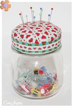 Pincushion with storage (Diy gifts love) - Diy Handwork Sewing For Kids, Free Sewing, Diy For Kids, Sewing Crafts, Sewing Projects, Projects To Try, Diy Gifts Love, Art Storage, Fabric Covered