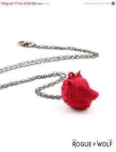VENTELoup tête collier en rouge  un collier par TheRogueAndTheWolf