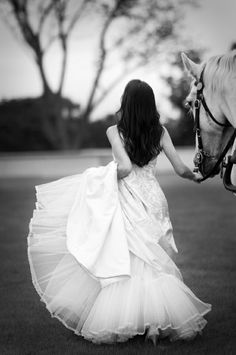 bride with horse - love this photo. Dream of re-creating it.