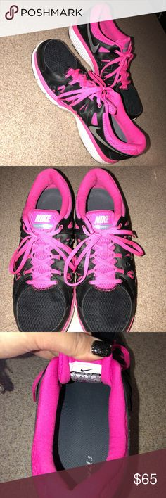 Nike Dual Fusion 2 Size 11 Nike: Dual Fusion 2 Size 11 ladies Worn twice  Black and hot pink in color Shoe laces in tact Excellent condition Smoke  and pet ...