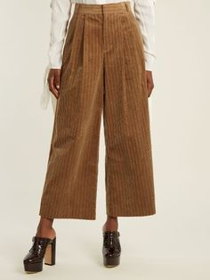 How To Wear Corduroy Trend 2017 Fall Outfits, Casual Outfits, Cute Outfits, Elegantes Business Outfit, Fashion Pants, Fashion Outfits, Scandinavian Fashion, Corduroy Pants, Vintage Outfits