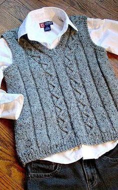 Ravelry: Svetlana's Zigzag vest – Harika El işleri-Hobiler Kids Knitting Patterns, Baby Sweater Knitting Pattern, Knit Vest Pattern, Knitting For Kids, Baby Vest, Baby Cardigan, Crochet Baby, Knit Crochet, Boys Sweaters