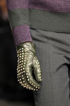 Must have! Burberry Fall 2012