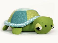 DIY-Anleitung: Kuscheltier-Schildkröte selber nähen, nähen für Babys / sewing for kids: sew a cute tortoise via DaWanda.com