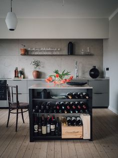 Modern Home Decor Kitchen Luxury Kitchen Design, Best Kitchen Designs, Luxury Kitchens, Cool Kitchens, Living Room Kitchen, Home Decor Kitchen, Kitchen Interior, Interior Design Living Room, Kitchen Walls