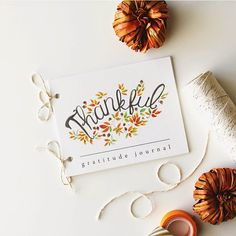 FREE Thankful Gratitude Journal - would be so pretty to use for your guests at Thanksgiving Dinner. #thanksgiving #thankful #gratitude