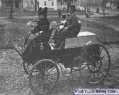 1897 Clark Sintz and family in his gasoline vehicle 25-5