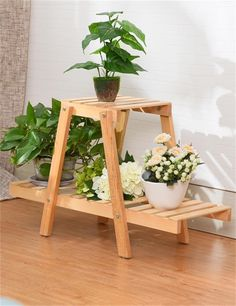 Wood Pallet Furniture Ideas The art of working with wood has so much to offer. From the very skilled woodworkers who do woodworking for a living or the weekend woodworker who does it just for fun, there is something for everyone. Wood Pallet Furniture, Woodworking Furniture, Woodworking Shop, Wood Pallets, Woodworking Plans, Woodworking Projects, Wooden Plant Stands, Diy Plant Stand, Ideas Para Trabajar La Madera