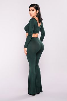 Curvy Girl Outfits, Sexy Outfits, Cute Outfits, Tight Dresses, Sexy Dresses, Vrod Harley, Hunter Green, Latin Women, Girl Fashion