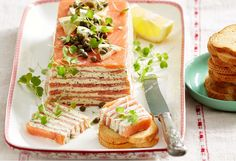 make-ahead terrine with smoked salmon is easy to put together, and with all. -This make-ahead terrine with smoked salmon is easy to put together, and with all. Salmon Terrine Recipes, Smoked Salmon Terrine, Smoked Salmon Appetizer, Christmas Entrees, Christmas Lunch, Christmas Ideas, Entree Recipes, Seafood Recipes, Cooking Recipes