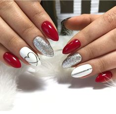 Nail art Christmas - the festive spirit on the nails. Over 70 creative ideas and tutorials - My Nails Red Gel Nails, Cute Acrylic Nails, Cute Nails, Pretty Nails, Acrylic Art, Red And Silver Nails, Red Nail Art, Acrylic Colors, Holiday Nails